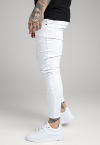 SIKSILK - DISTRESSED - Jeans Skinny Fit - white - 4