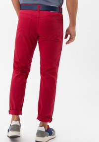 BRAX - STYLE CADIZ - Slim fit jeans - cherry - 2