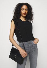 Emporio Armani - Jeans Skinny Fit - grigio - 3