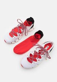 adidas by Stella McCartney - ASMC CLIMACOOL VENTO - Neutrální běžecké boty - footwear white/core black/vivid red - 5