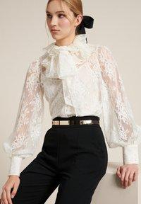 Luisa Spagnoli - Button-down blouse - panna - 2