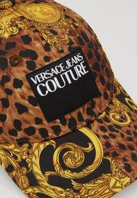 Versace Jeans Couture - MID VISOR LABEL - Caps - black - 6