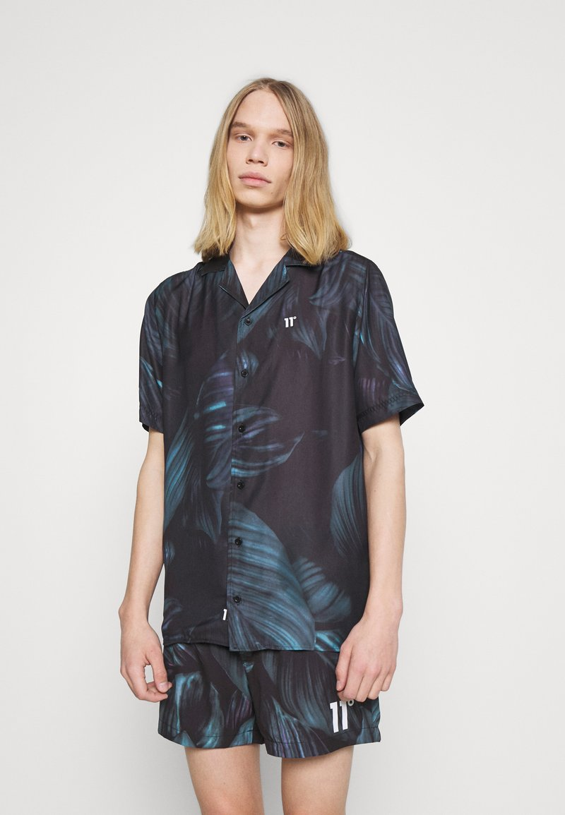 11 DEGREES - TROPCIAL RESORT SHIRT - Camisa - black/green/purple