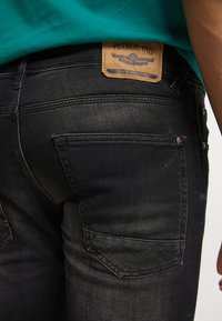 Petrol Industries - Denim shorts - black stone - 3