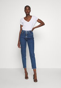 Calvin Klein Jeans - MOM - Relaxed fit jeans - dark blue stone - 1