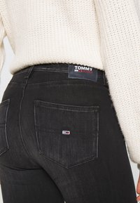 Tommy Jeans - SYLVIA SUPER SKNY - Jeans Skinny Fit - dynamic black - 5