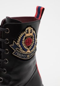 Mulberry - NEW LIONE - Lace-up ankle boots - nero/grain rosbery/blu - 4
