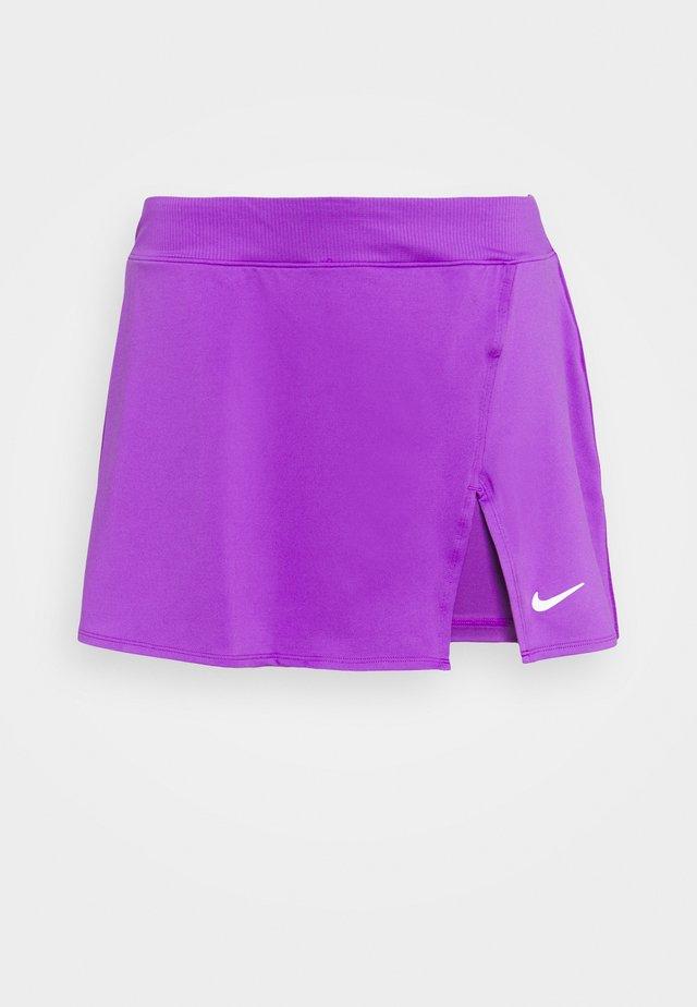 PLUS - Sports skirt - wild berry/white