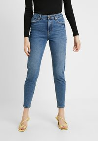Pieces - PCLEAH MOM - Jeans relaxed fit - medium blue denim - 0