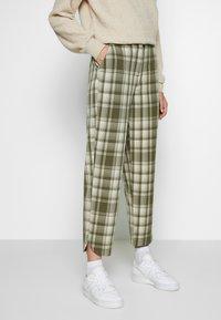 Object Tall - OBJUMA PANT - Kalhoty - burnt olive/gardenia - 0