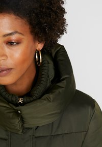 TOM TAILOR - PUFFER  - Vinterfrakker - woodland green - 6