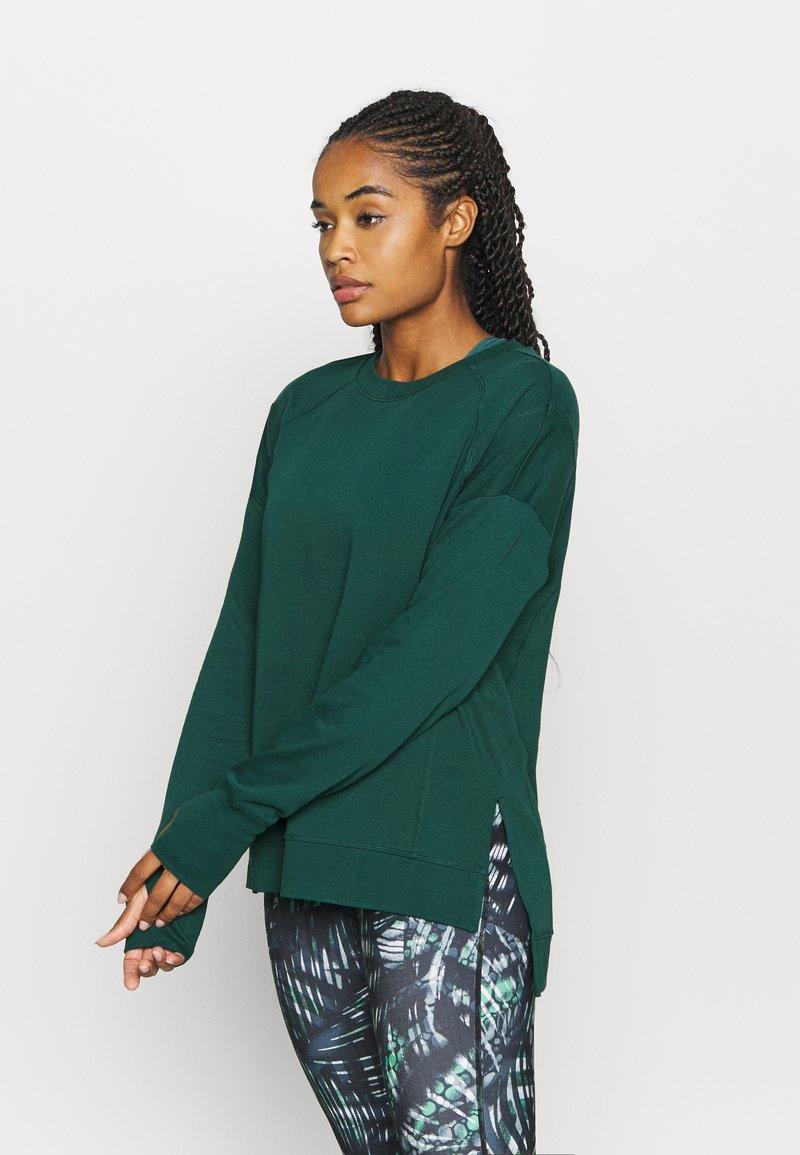 Sweaty Betty - AFTER CLASS  - Sweatshirt - june bug green