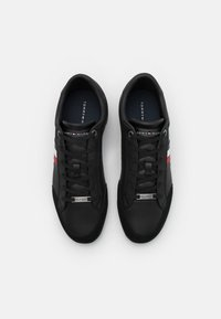 Tommy Hilfiger - CORPORATE CUPSOLE - Sneakers basse - black - 3