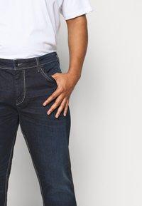 TOM TAILOR MEN PLUS - Straight leg jeans - dark stone wash denim - 4
