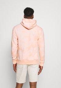 Nike SB - HOODIE UNISEX - Sweatshirt - orange pearl/coconut milk - 2