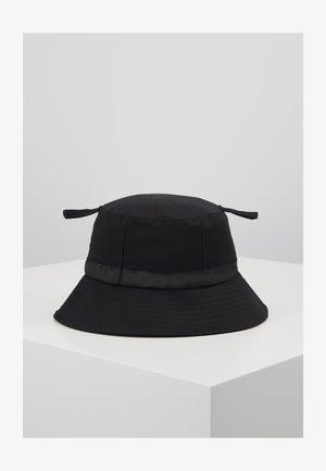 LOGO BUCKET HAT - Kapelusz - black/black