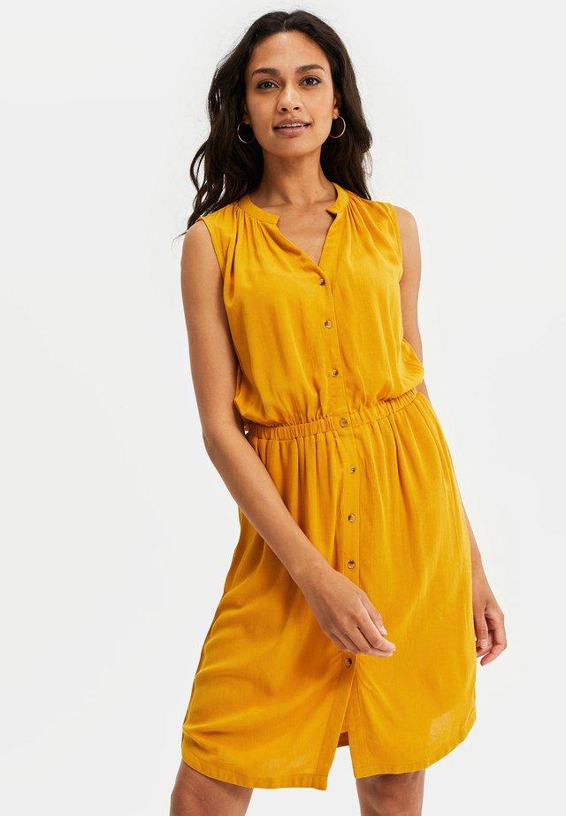 Sukienka koszulowa - mustard yellow