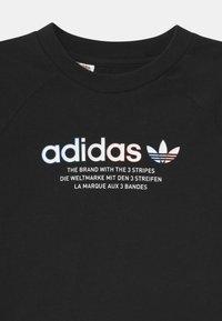 adidas Originals - UNISEX - T-shirt med print - black - 2