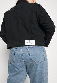Calvin Klein Jeans Plus - 90S TRUCKER - Denim jacket - black denim - 5