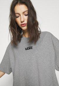 Vans - CENTER VEE TEE  - Jersey dress - grey heather - 5