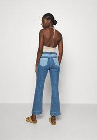 Wrangler - Flared jeans - light blue denim - 2