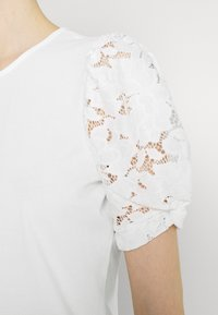 Vila - VIABRO - Basic T-shirt - cloud dancer - 4