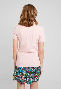Calvin Klein Jeans - REVERSED LOGO MODERN SLIM TEE - Printtipaita - blossom - 2