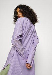 ARKET - SHIRT - Button-down blouse - purple stripe - 3