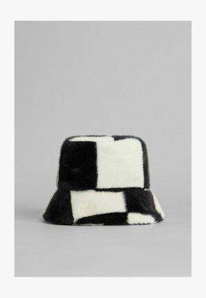 Hat - white