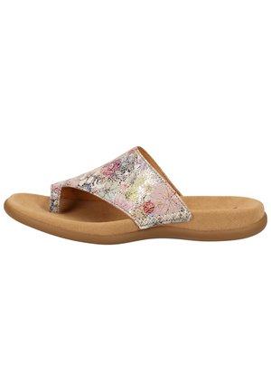 Sandály s odděleným palcem - puder 33
