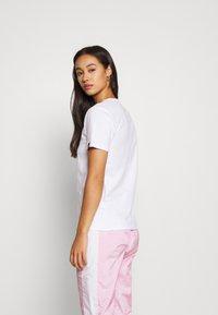 Ellesse - MONTAL - T-shirts print - white - 2