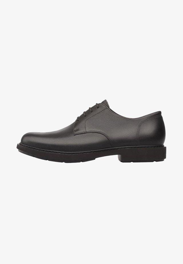 NEUMAN - Elegantní šněrovací boty - black
