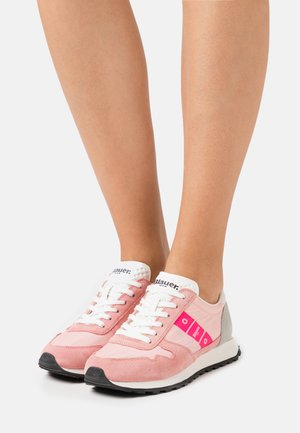 MERRILL - Trainers - pink