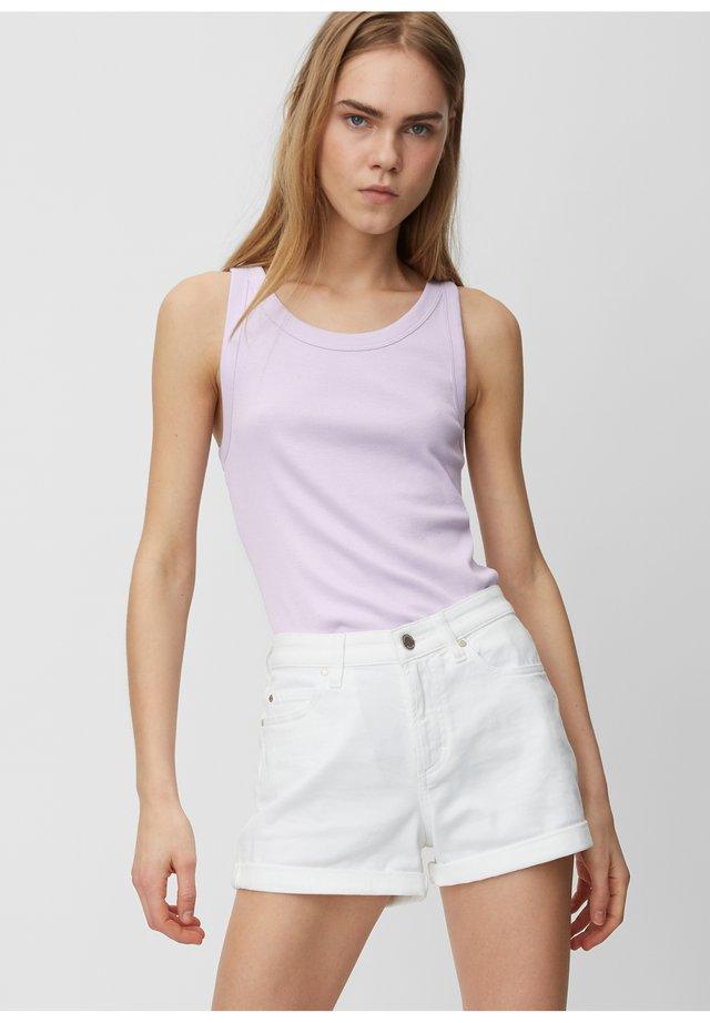 Top - syringa lilac