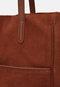 Zign - Handbag - cognac - 3