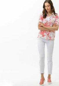 BRAX - Polo shirt - coral - 1