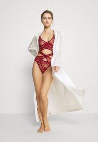 Coco de Mer - SIENNA - Body - cherry red - 1