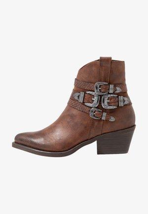 Kovbojské/motorkářské boty - chestnut