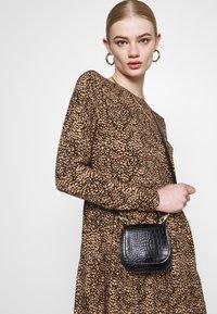 Even&Odd - SHORT CREW NECK - Day dress - black/beige - 3