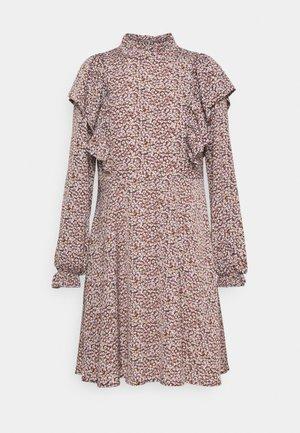 SLFLISA DITTE SHORT DRESS - Vapaa-ajan mekko - cappuccino