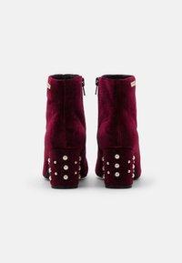 Les Tropéziennes par M Belarbi - CHANNON - Ankle boots - bordeaux - 3