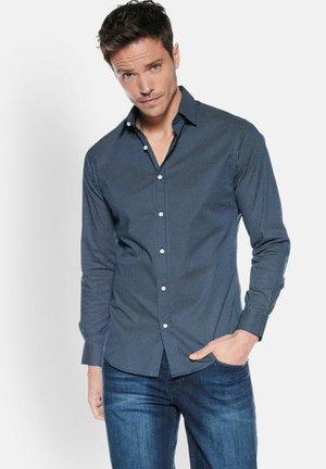 HEMD GEPUNKTET - Shirt - blau