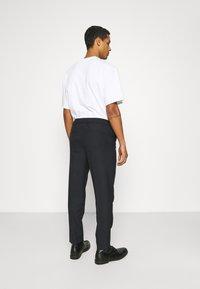 ARKET - TROUSERS - Pantalones - navy - 2