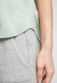 QS by s.Oliver - Button-down blouse - mint - 4