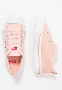 Levi's® - MAUI UNISEX - Tenisky - pink - 0