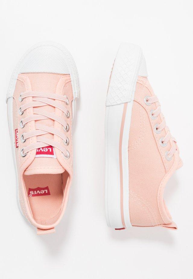 MAUI UNISEX - Trainers - pink