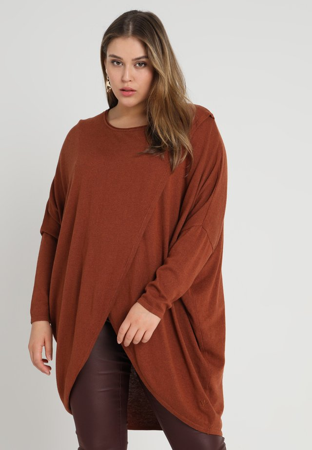OVERSIZE LONG SLEEVES ROUND NECK - Strikkegenser - caramel cafe