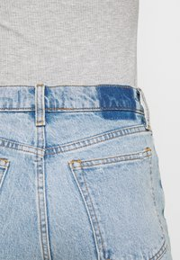 Abercrombie & Fitch - KNEE DESTROYED - Jeans Skinny Fit - destroyed denim - 4