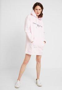 Tommy Hilfiger - HOODED DRESS - Day dress - light pink - 2