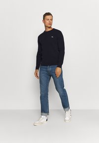 Lacoste - Sweter - abysm - 1